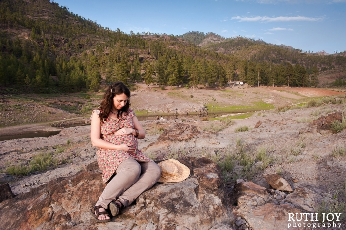 Natural Outdoor Maternity Photography